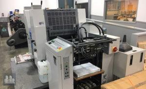 máquina offset de impressão Ryobi 522 HXX (ano 2000)